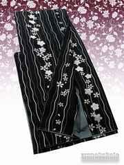 【和の志】洗える着物◇国産袷BL◇黒系・よろけ縞に桜◇40