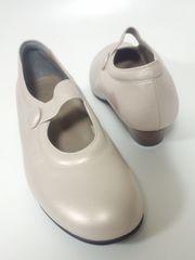 未使用菊地武男の靴大きいサイズフィンコンフオートパンプス外反母趾Domani