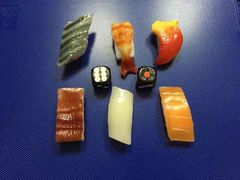 お寿司の食品サンプル予言マジック!サイコロ回転寿司!手品