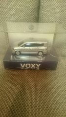 未開封 VOXY ヴォクシー プルバックカー ライト点灯 キーホルダー