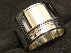 GUCCIグッチの銀無垢シルバー925のスーパーワイドデザインリング9号.未使用レベル