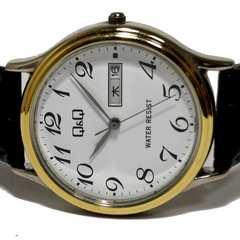 美品【980円〜】Q&Q【デイカレンダー搭載】メンズ腕時計