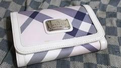 ブルーレーベル 本革製二折財布 ピンク基調・中古