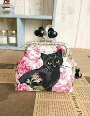 薔薇と黒猫*ハート玉角がま口のミニポーチ*小物入れ*ピンク