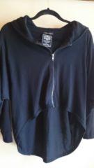 ■春物美品黒裾変形ジップパーカー■