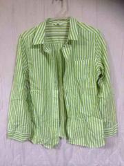 グリーンのストライプシャツ