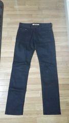 UNIQLO(ユニクロ)スキニーフィットテパードジーンズ(29インチ)ブラック