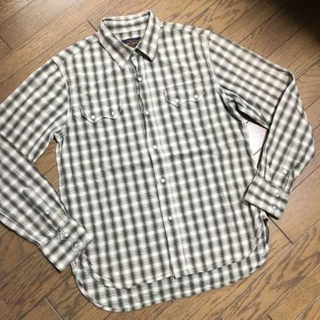 美品BEAMS デザインシャツ ビームス  < ブランドの