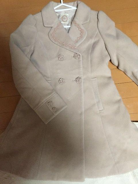 美品☆Ank Rouge☆薄ピンク☆Aラインウールコート☆バラボタン☆  < ブランドの