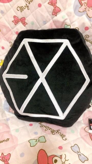 EXO エクソ ロゴ クッション セフン < タレントグッズの