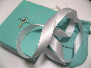 プレゼントに最高.永遠の憧Tiffany&Coティファニのハートに鍵キーデザイン.ネックレス