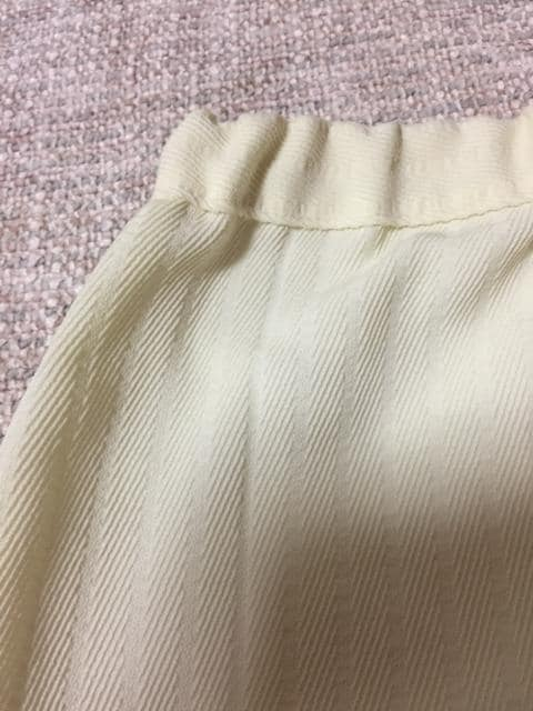 187.新品☆ウエストゴムスカート ☆アイボリー☆サイズXL程度 < 女性ファッションの