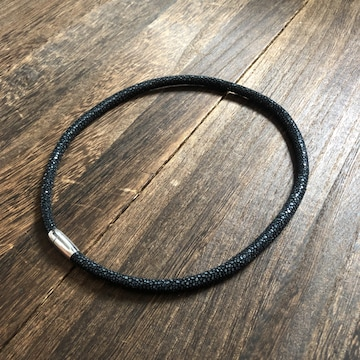 限定品|スティングレイ エイ革 ネックレス チョーカー ブラック