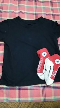 シンプル黒Tシャツ&コンバース赤靴下set size90