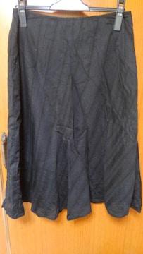 ∞ 黒の夏物スカート