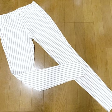 【美品】ストライプ柄レギンスパンツ/UNIQLO/ウエスト63-69cm/白