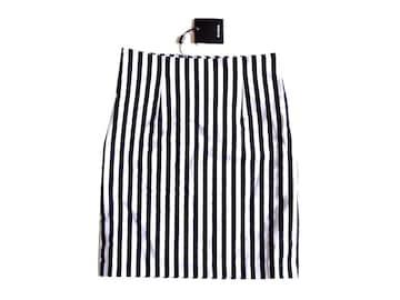 新品 定価6151円 エモダ EMODA 白 黒  タイト ミニ スカート