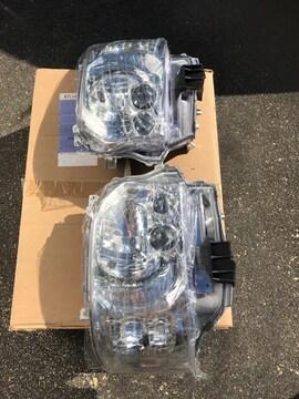 200系ハイエース/レジアスエース4型LEDヘッドライト!