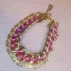 ゴールド色チェーンとピンク紐ブレスレット*新品未使用