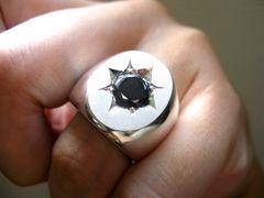 仁尾彫金『一つ星ブラックジルコニア楕円の印台リング』146