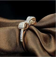 特A品★送料無料★ダイアモンド リング 13号 リボン 婚約指輪