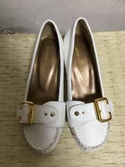 新品ゴールドバックルベルト飾りローファーパンプス白ホワイト23