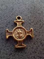 [IK]クロス 十字架 ゴールド チャーム 1コ
