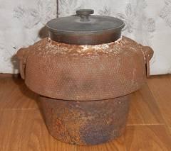 戦前頃〜鉄製茶釜真鍮製蓋つきです。