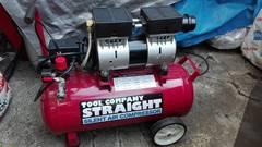 エアーコンプレッサー 100V 1馬力 30L 静音オイルレス 17-6019