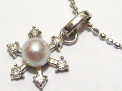 天然ダイヤ&真珠14金ホワイトゴールド雪結晶デザイン最高の美ITALY製ネックレス