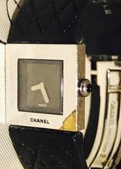 シャネルマトラッセレディース時計ブラックレザーベルト稼働品