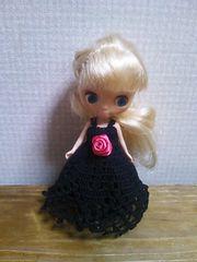 プチブライスof黒のレース編みドレス