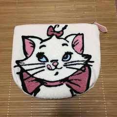 ディズニー・おしゃれキャットマリー柄サガラ刺繍ポーチ。