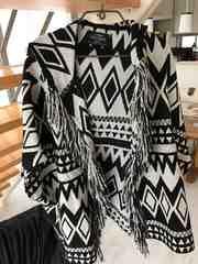 ベルシュカ  ZARAザラ 幾何学模様 柄 白黒 羽織り カーディガン