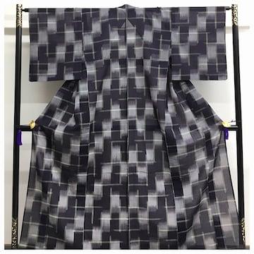 美品 夏物 上質 化繊 紗紬 紺グレー 格子絣模様 身丈160 裄64
