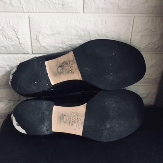 ヴァレンティノ スタッズ ローファー レザー ペタンコ靴 < ブランドの