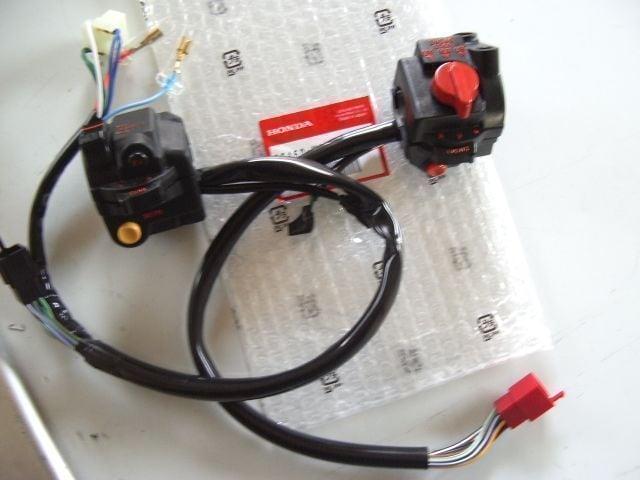 (55)CBX550FCBX400F左右ハンドルスイッチ新品H1 < 自動車/バイク