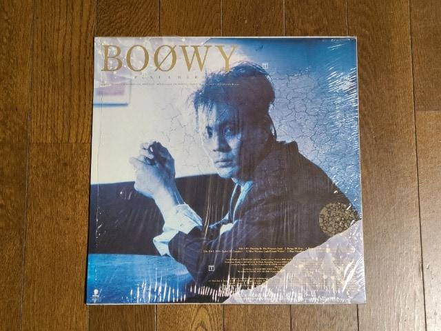送料無料/BOOWY JUST A HERO LP歌詞カード付き盤面美品 < タレントグッズの