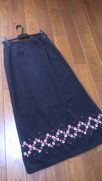 【美品即決】PLANT BLEND◆BLACK×裾flower刺繍ロングスカート