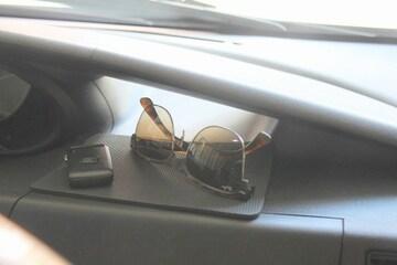 車内でスマホ、ipod、iphone、などに 滑り止めシート