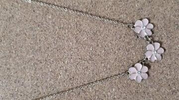 新品未使用 ピンクの花が可愛いネックレス