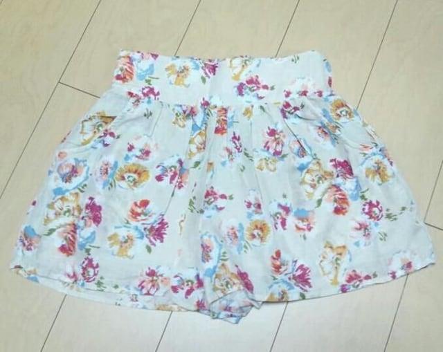 Reasterisk★花柄キュロット★フリーサイズ★新品 < 女性ファッションの