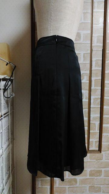 美品 ウェスト73�p 黒色 スカート < 女性ファッションの